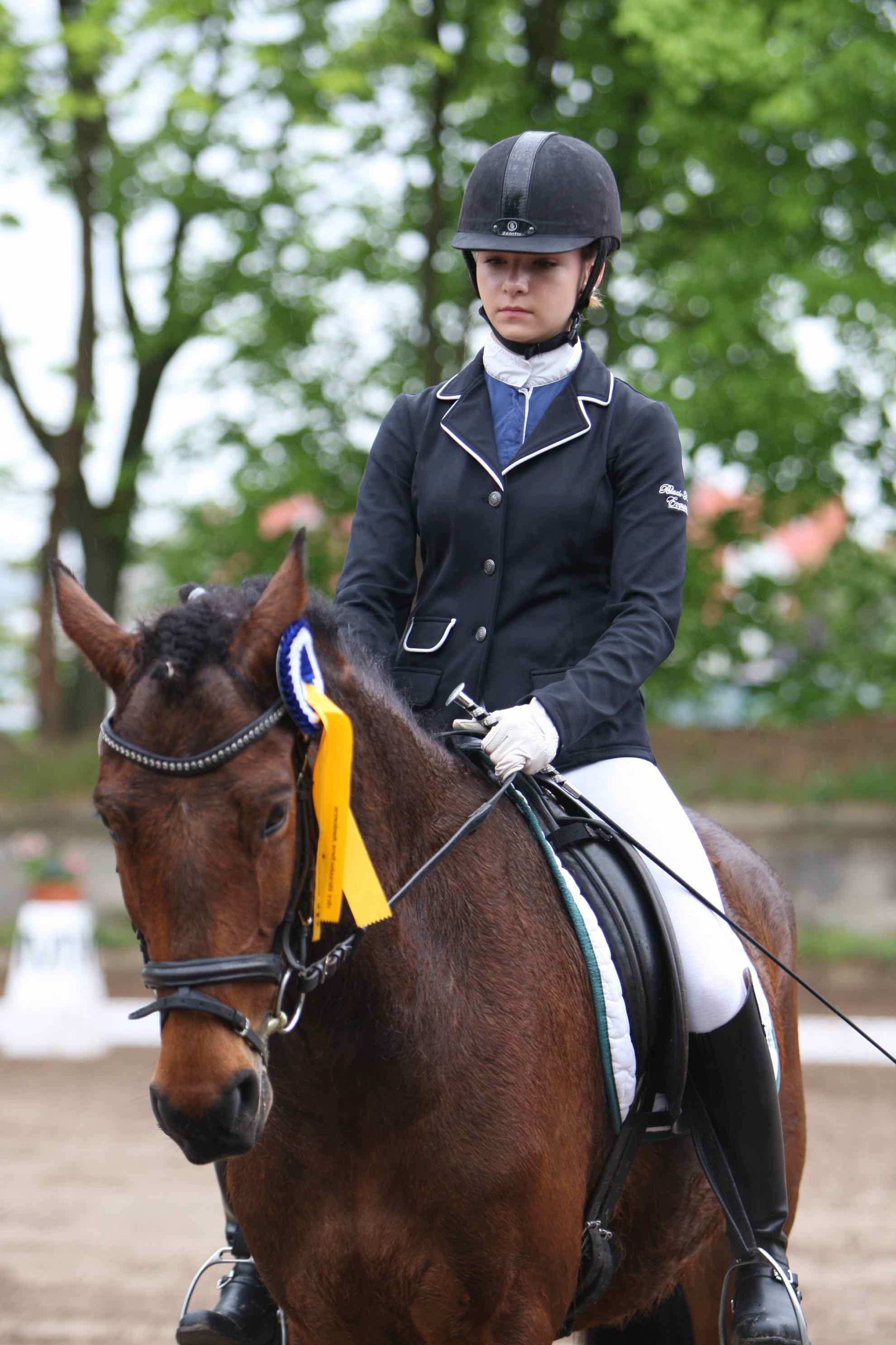 Prüfung 23 Dressur-Wettbewerb E - 1. Platz - Alicia Löffler aufCaruso von Breuberg - PSV Welsh-Gestüt Breuberg e.V