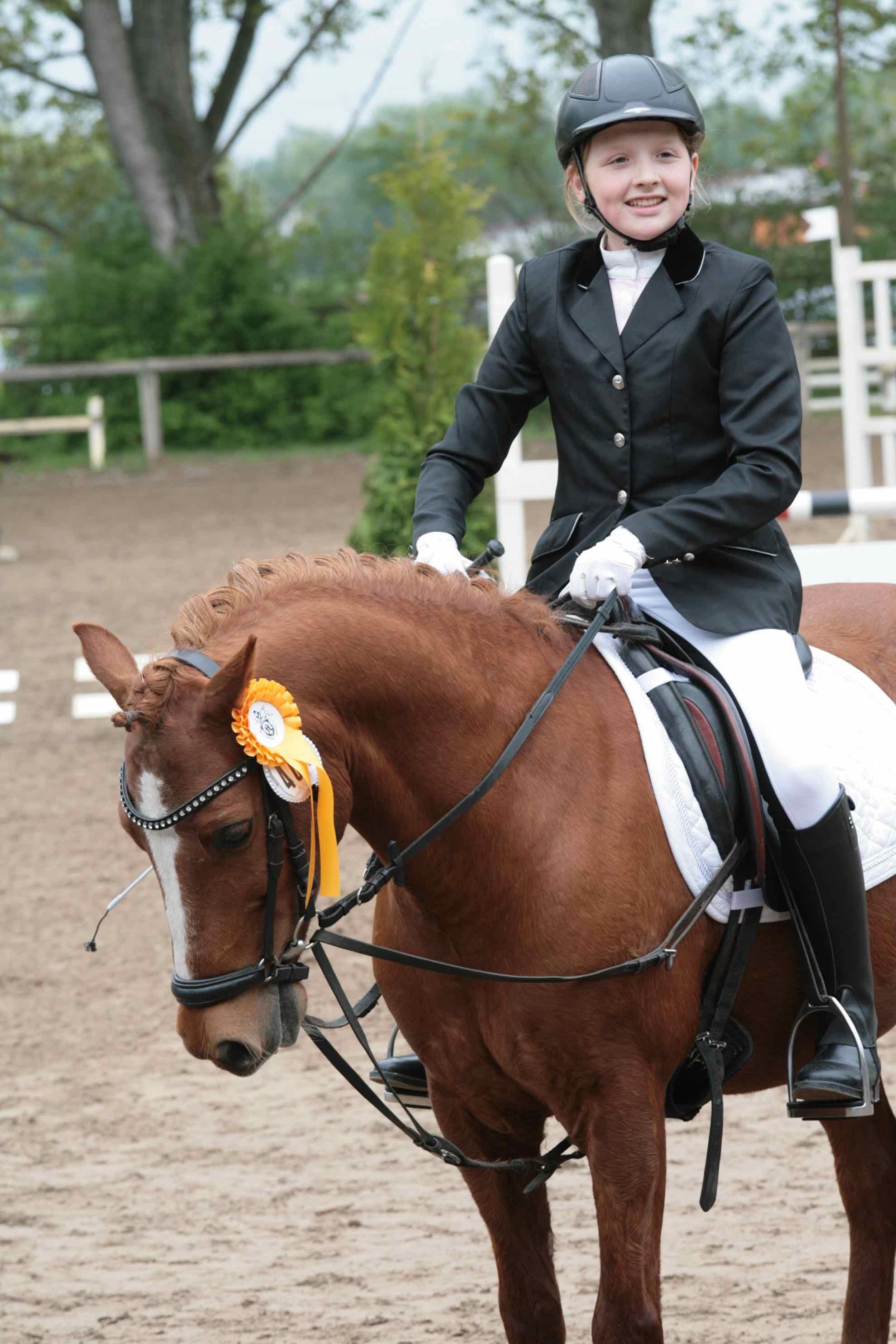 Prüfung 28/1 Reiterwettbewerb für Ponys - 1. Platz - Hannah Schmitt auf Pedro 961 - PSG Birkenbusch Ober-Modau e.V.